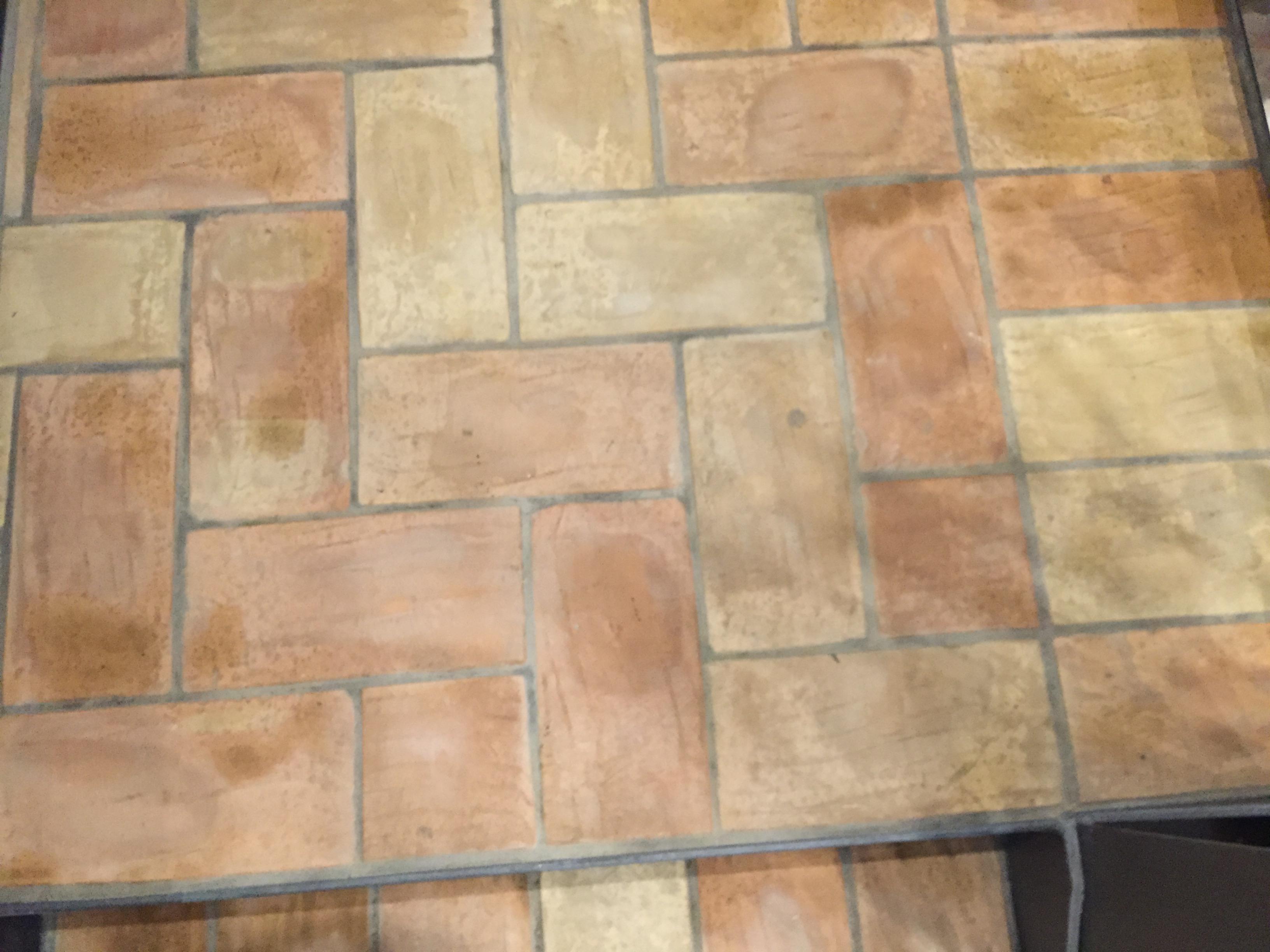 Pavimenti interni rustici for Piastrelle sottili